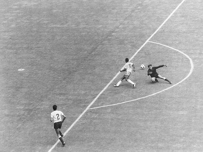 25 bức ảnh ấn tượng nhất qua các kỳ World Cup