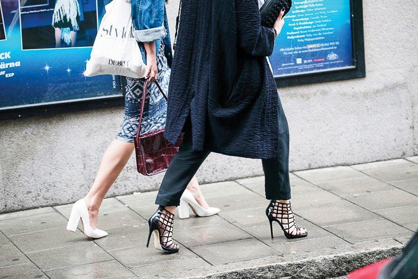 Bí quyết đi giày cao gót không bị đau chân
