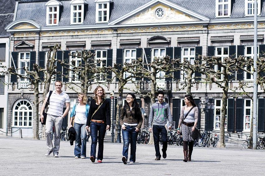 Du học Hà Lan, nên chọn trường nào?