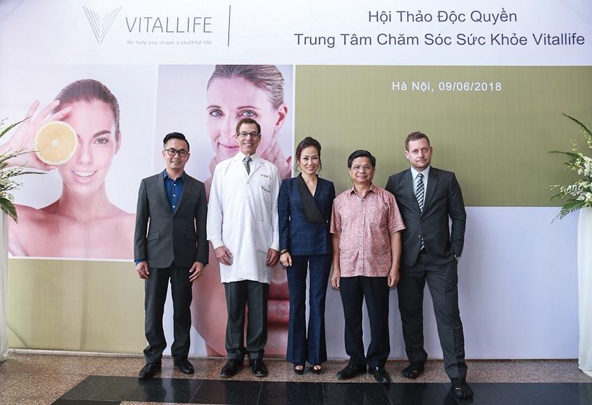 Hội thảo về chăm sóc sức khỏe với sự diễn thuyết của các chuyên gia Thái Lan
