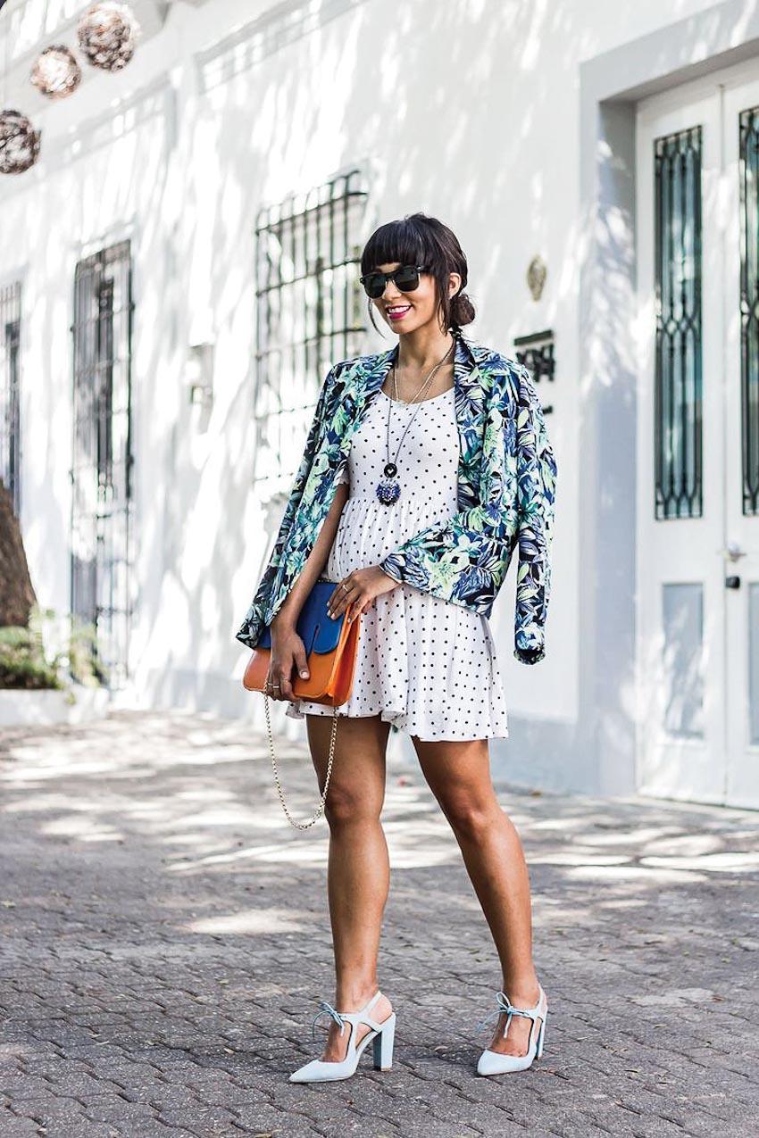 Cách phối trang phục họa tiết hoa cho ngày hè