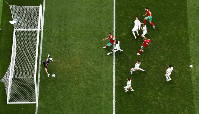Cristiano Ronaldo lập kỷ lục, Morocco chia tay sớm World Cup