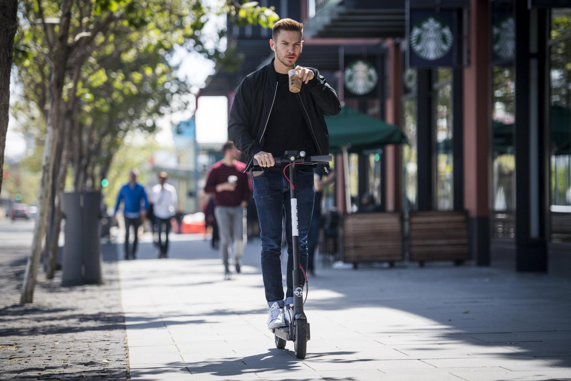 Cựu nhân viên Uber lập startup chia sẻ scooter điện trị giá tỷ USD