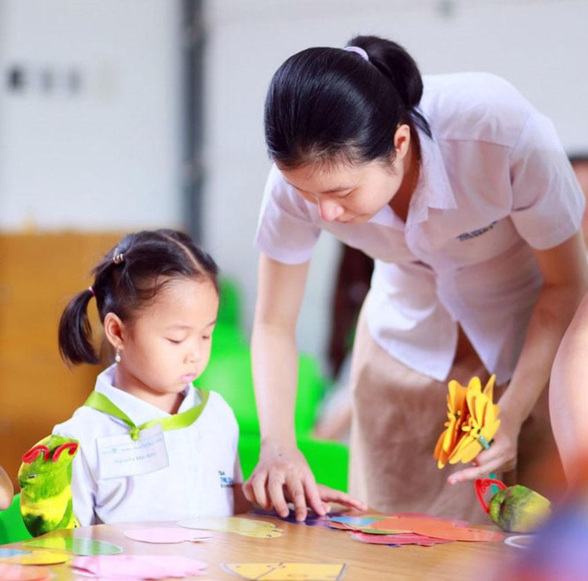 11 chướng ngại trong cách cha mẹ giao tiếp với con cái: Việc hồi đáp con cái và những điều nên tránh (Tiếp)