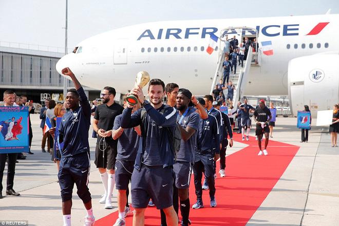 500.000 fan chào đón tuyển Pháp mang cúp vàng trở về