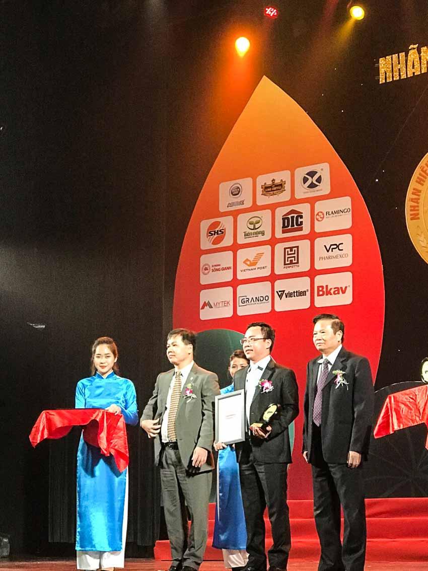 Dai-ichi Life nhận giải thưởng Top 50 nhãn hiệu nổi tiếng VN 2018
