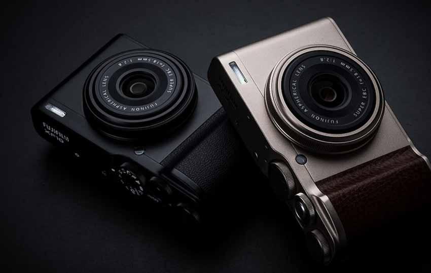 Máy ảnh compact nhỏ gọn Fujifilm XF10 thích hợp chụp ảnh đường phố