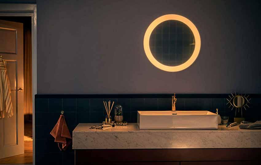 Philips giới thiệu gương kiêm đèn chiếu sáng Adore Bathroom