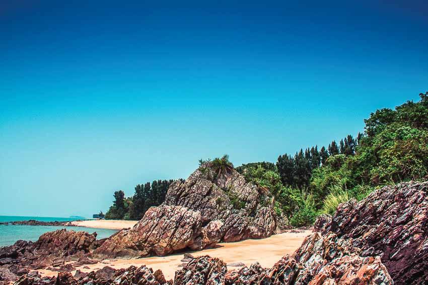 Đảo Cái Chiên ngày hè xanh mát