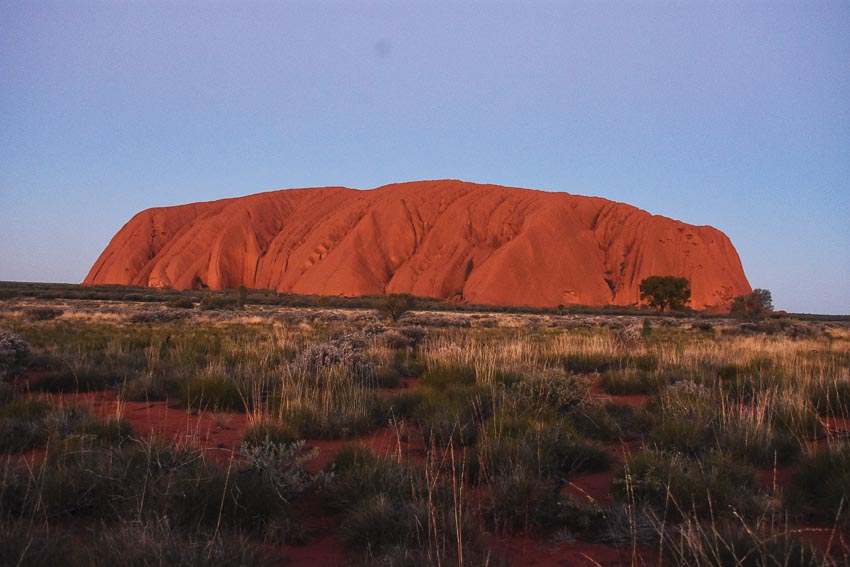 Khám phá núi thiêng Uluru ở Úc