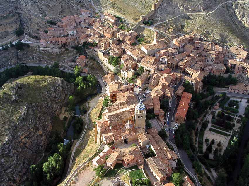 Thăm những ngôi làng cổ đẹp nhất châu Âu ở Nam Aragon