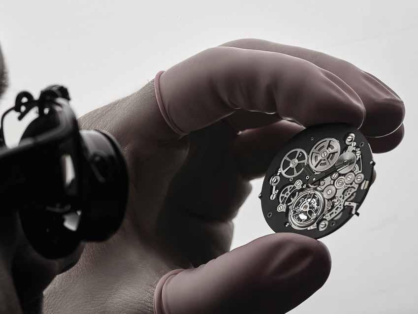Octo Finissimo Tourbillon Automatic - Mẫu đồng hồ mỏng nhất thế giới mang thương hiệu Bulgari