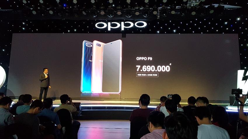 OPPO F9, sạc nhanh VOOC, camera kép, giá 7,69 triệu-13