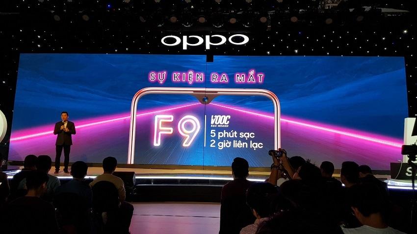 OPPO F9, sạc nhanh VOOC, camera kép, giá 7,69 triệu-1
