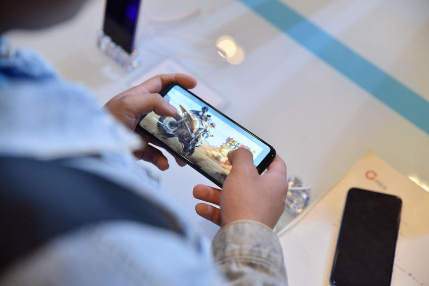 điện thoại dành cho game thủ Honor Play-7