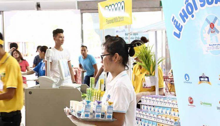 DN-LOTTE-Mart-to-chuc-chuong-trinh-le-hoi-sua-TinDN-110818-4
