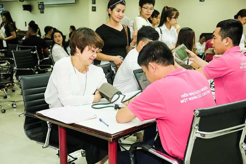 DN-Manulife-tiep-tuc-hien-tang-gan-350-don-vi-mau-cho-cong-dong-Tin-020818-2