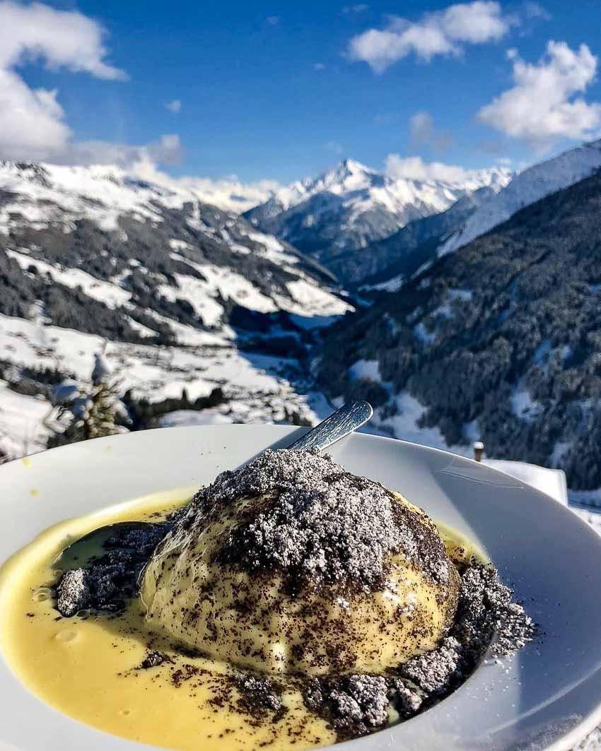 Khám phá món bánh bao Germknödel của nước Áo