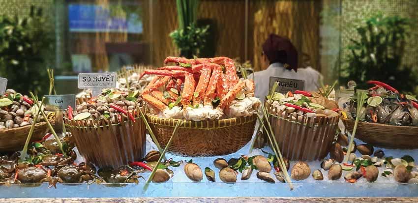 Đêm tiệc hải sản tại Market 39 với cua hoàng đế Alaska