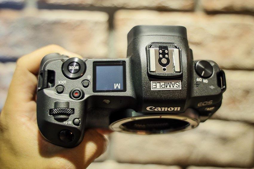 DNP-Canon-cho-ra-mat-the0he-may-anh-va-ong-kinh-EOS-R-Tin-060918-2