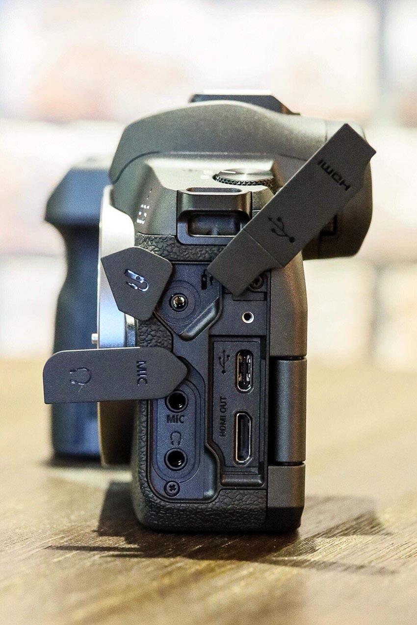 DNP-Canon-cho-ra-mat-the0he-may-anh-va-ong-kinh-EOS-R-Tin-060918-5
