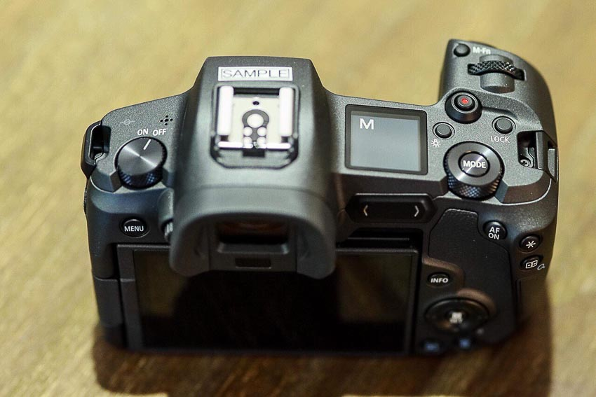 DNP-Canon-cho-ra-mat-the0he-may-anh-va-ong-kinh-EOS-R-Tin-060918-7