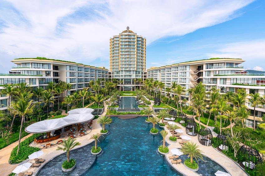 InterContinental-Phu-Quoc-Long-Beach-Resort-don-khach-den-Sky-Tower-1
