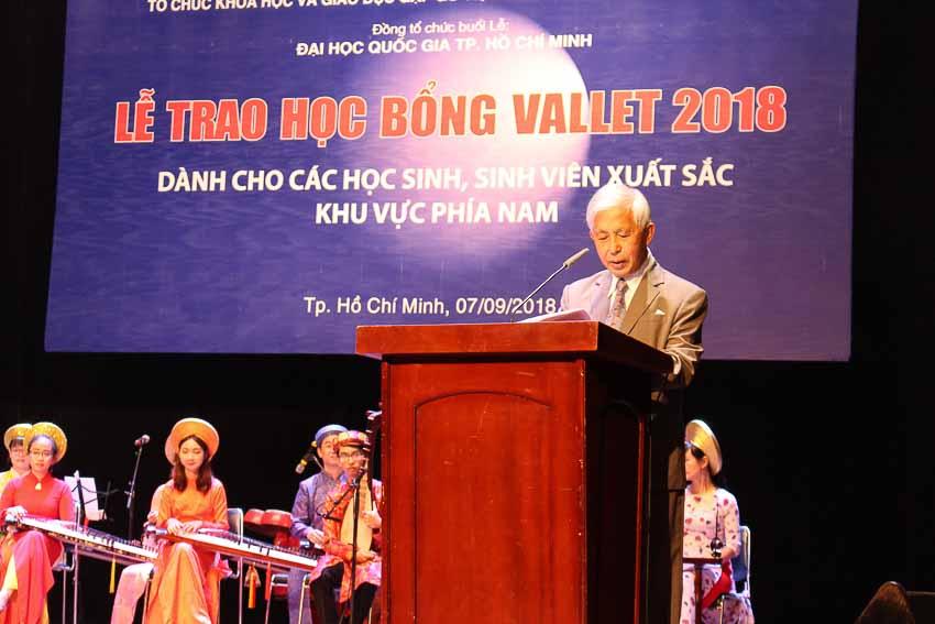 DNP-hoc-bong-Vallet-trao-hon-400-suat-cho-khu-vuc-phia-Nam-1