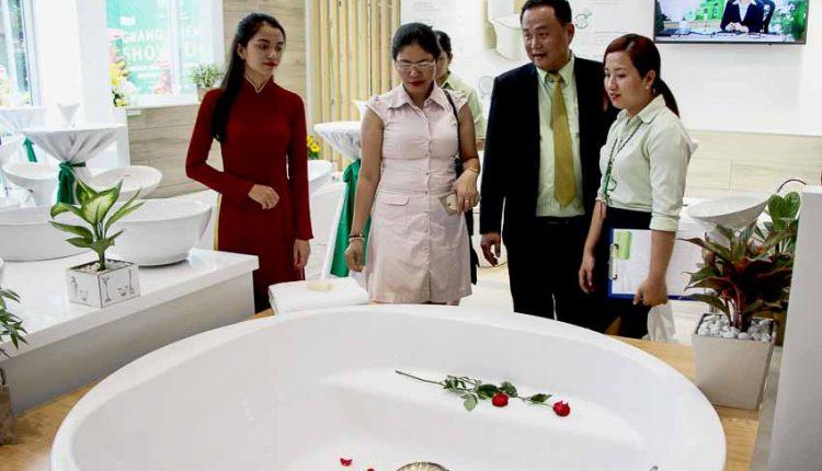 DNP-khai-truong-showroom-chuan-quoc-te-dau-tien-Tin-110918-3
