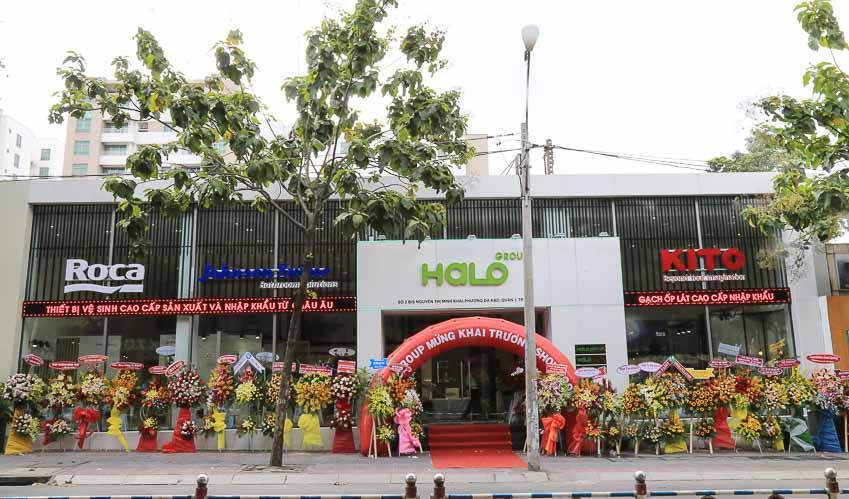 khai-truong-showroom-chuan-quoc-te-dau-tien-5