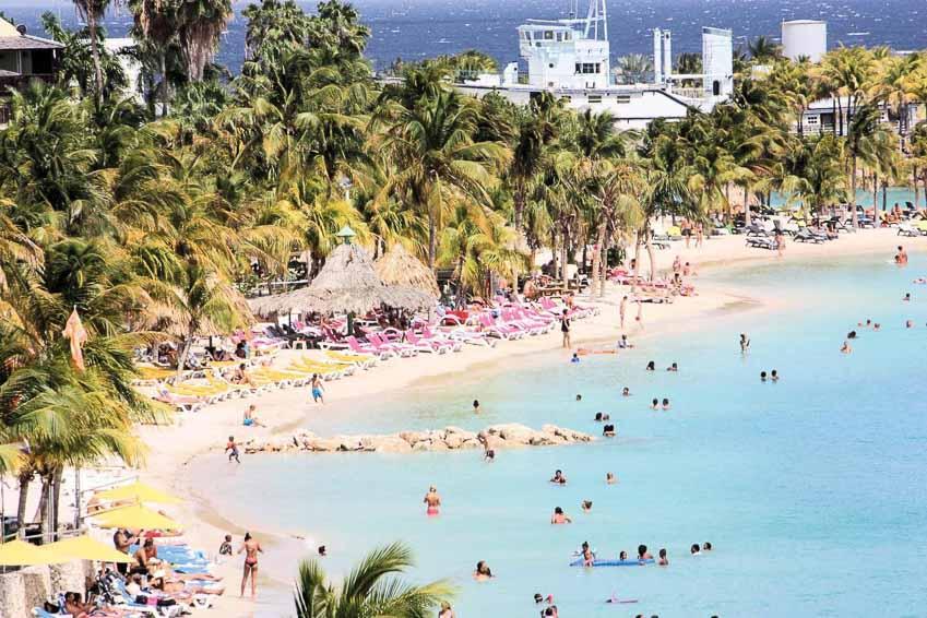 Curaçao-Vien-ngoc-xanh-cung-Caribe-1