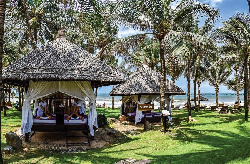 DNP774-hoa-minh-vao-thien-nhien-tai-Spa-cua-Pandanus-Resort