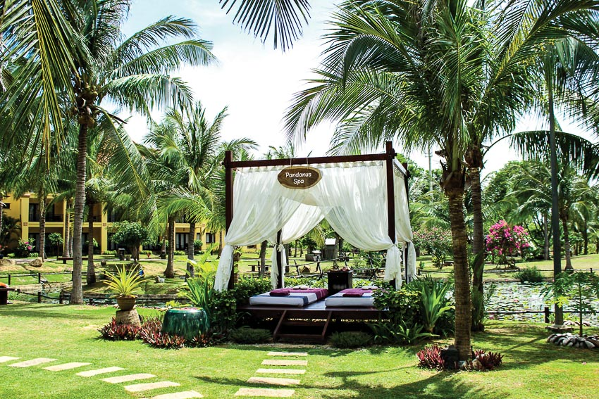 ve-dep-kien-truc-Cham-tai-Pandanus-Resort-12