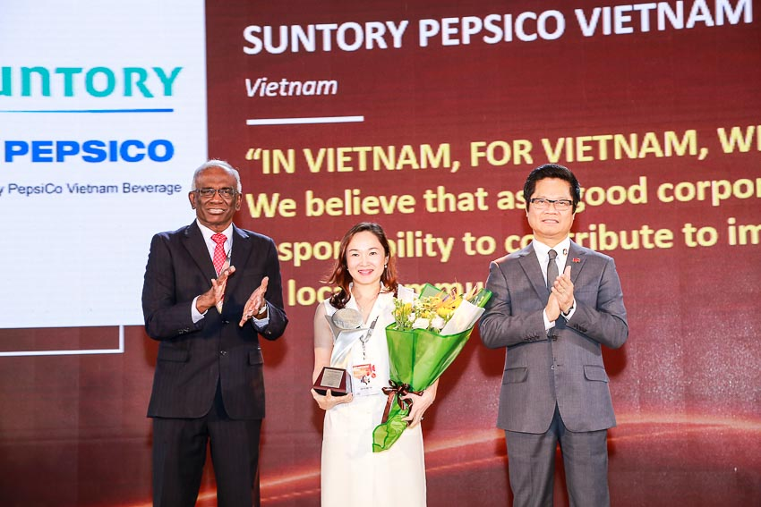 DNP-Suntory-PepsiCo-Viet-Nam-nhan-giai-thuong-nhan-su-uy-tin-chau-A-1