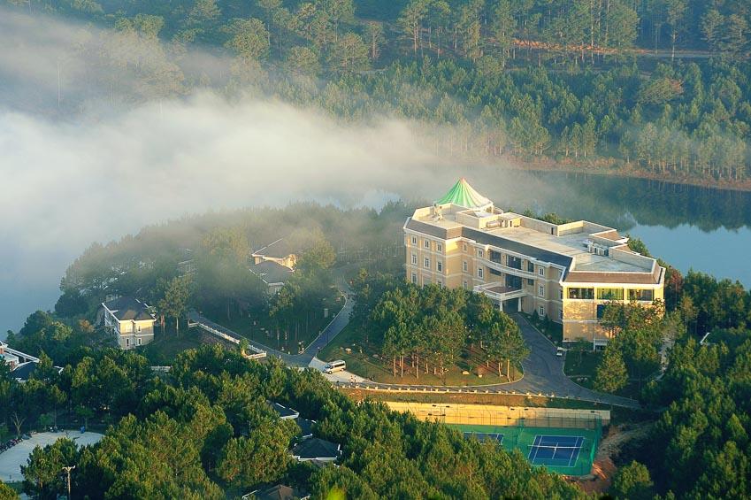 khu-nghi-duong-5-sao-Dalat-Edensee-Resort-2