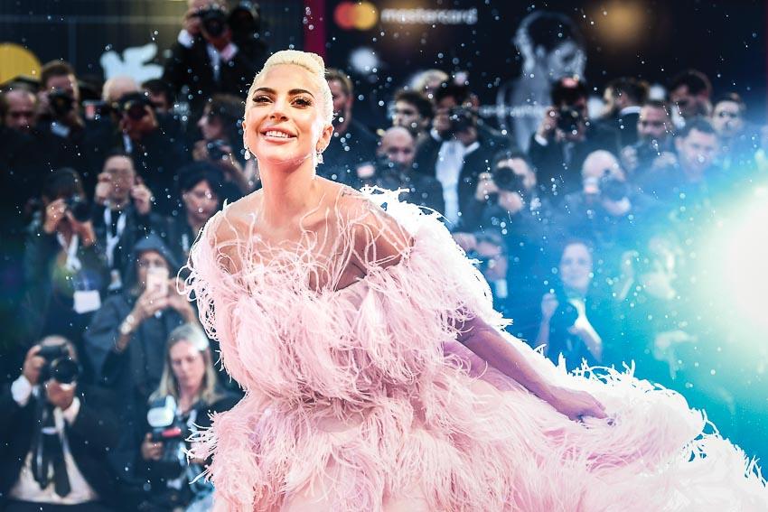 Lady-Gaga-trong-bo-phim-Vi-sao-vut-sang-3