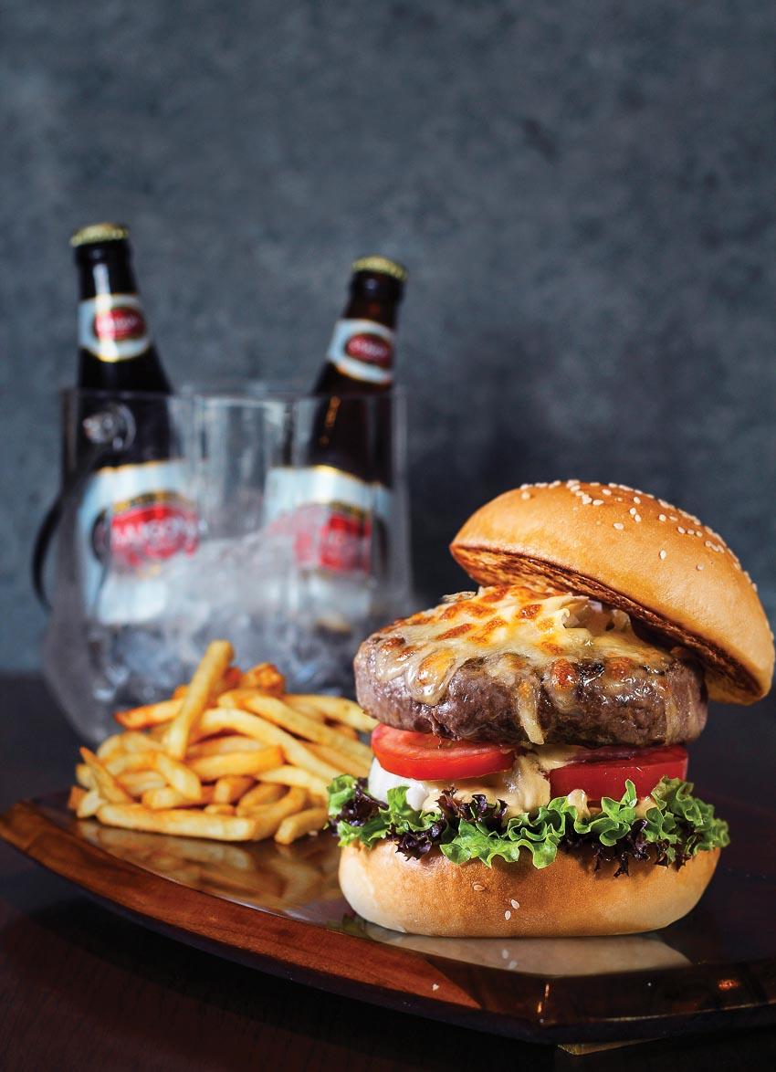 DNP776-tan-huong-combo-burder-va-bia-tai-Corso-Steakhouse- Bar