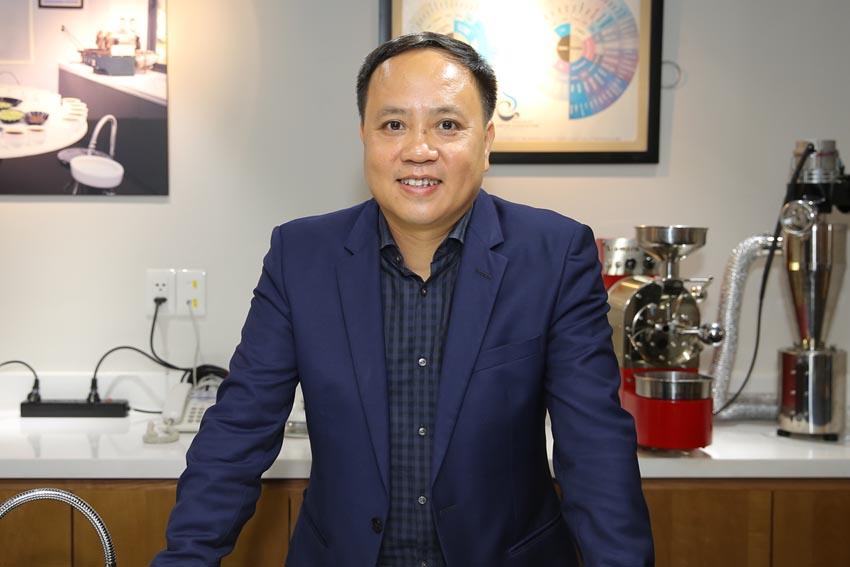 Phan-Minh-Thong-ong-bau-cai-cach-cua-ca-phe-sach-Viet-Nam-3