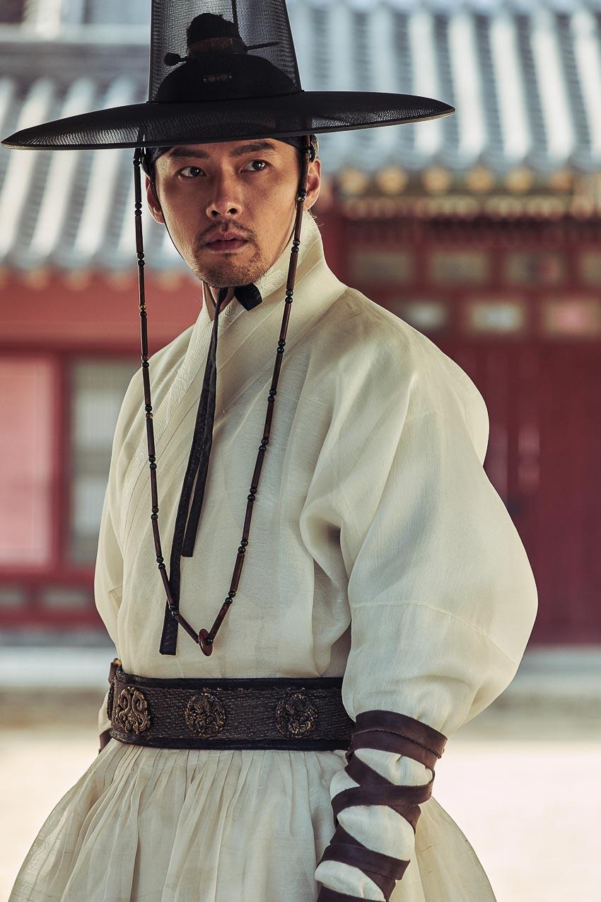 Hyun-Bin-tan-cong-man-anh-Viet-Nam-6