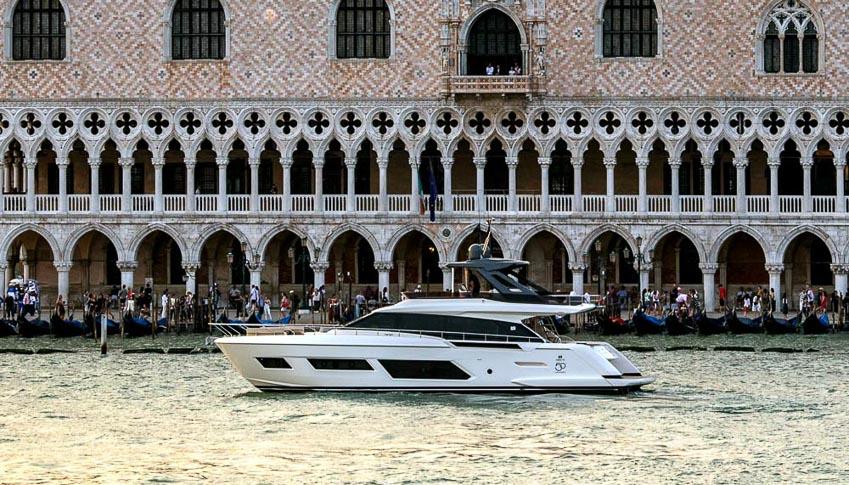 siêu du thuyền Ferretti Yachts 670 2