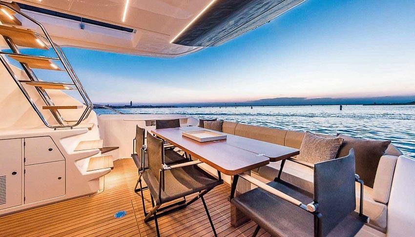 siêu du thuyền Ferretti Yachts 670 6