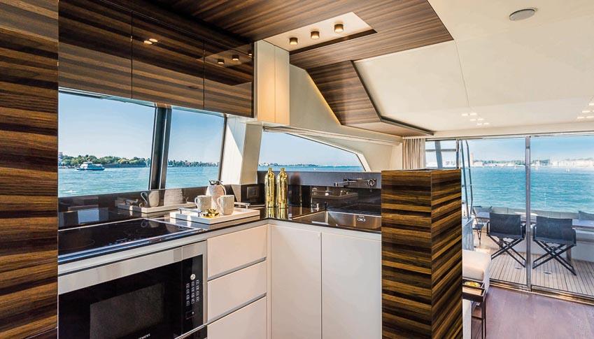 siêu du thuyền Ferretti Yachts 670 7
