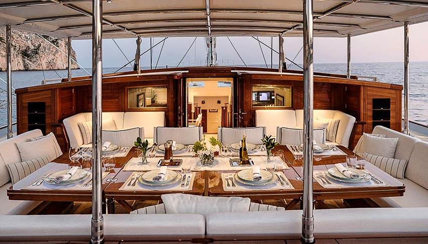 Siêu du thuyền Royal Huisman Aquarius 6