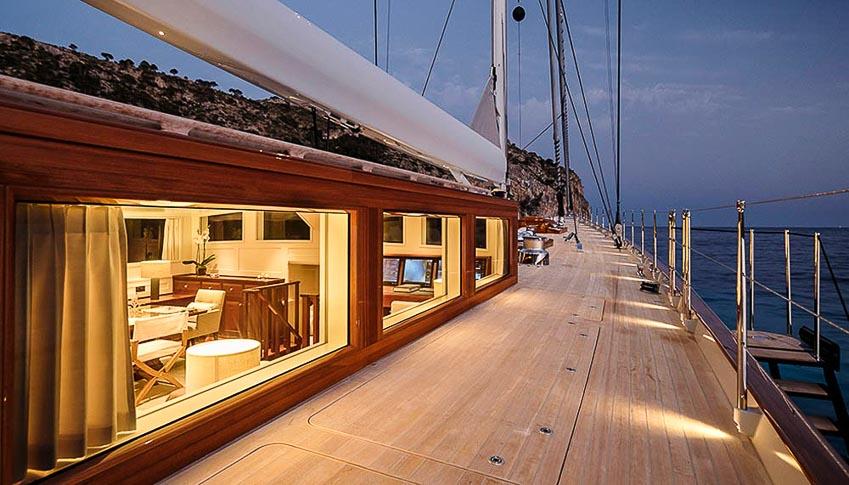 Siêu du thuyền Royal Huisman Aquarius 8