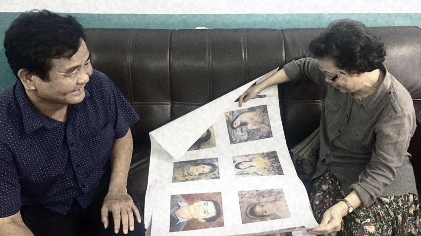 Ông Trịnh Xuân Yên và bà Thụy Khuê duyệt các tác phẩm được in trong sách Lê Thị Lựu - Ấn tượng hoàng hôn