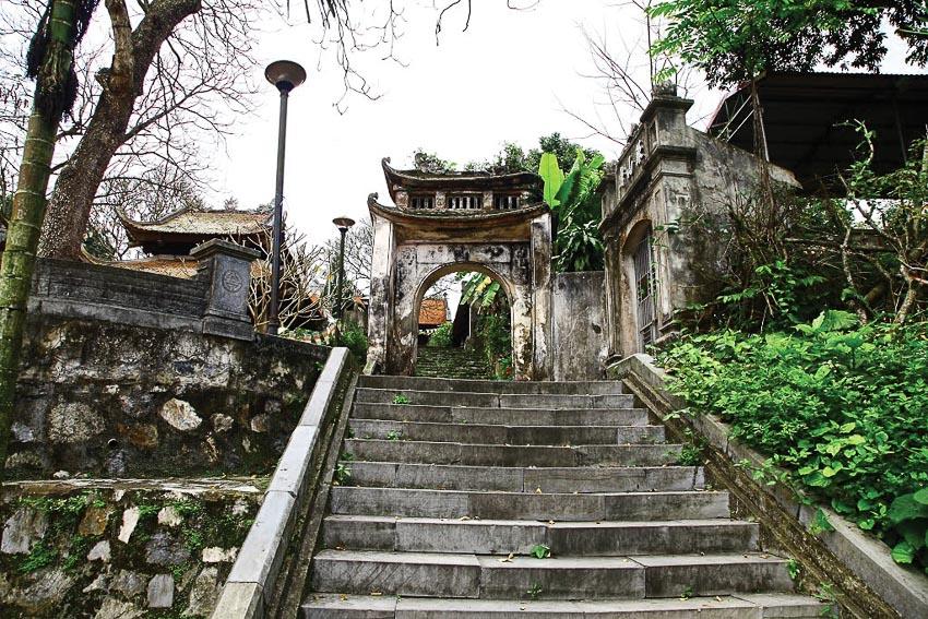 Vẻ trang nghiêm trầm mặc của ngôi chùa ngàn năm tuổi