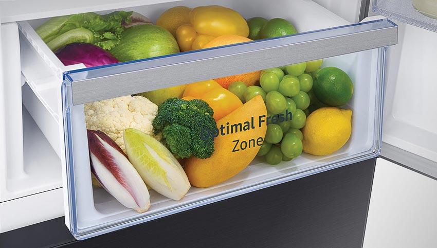 Tủ lạnh ngăn đông dưới mới nhất của Samsung nổi bật với ngăn đông mềm Optimal Fresh Zone giữ thực phẩm trọn vị tươi ngon 3