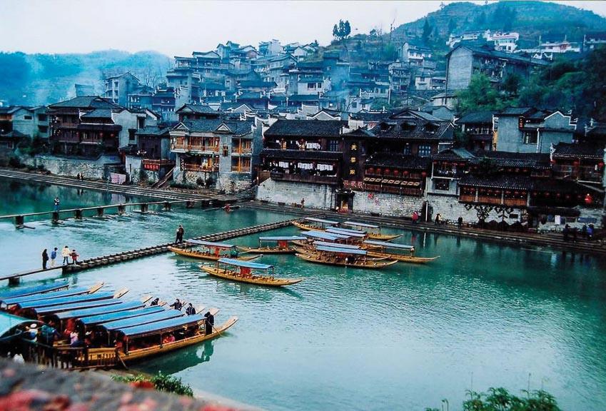 Sông Đà Giang, linh hồn rêu phong của Phượng Hoàng cổ trấn