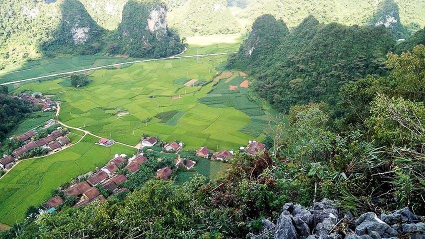 Bản làng nhìn từ trên cao