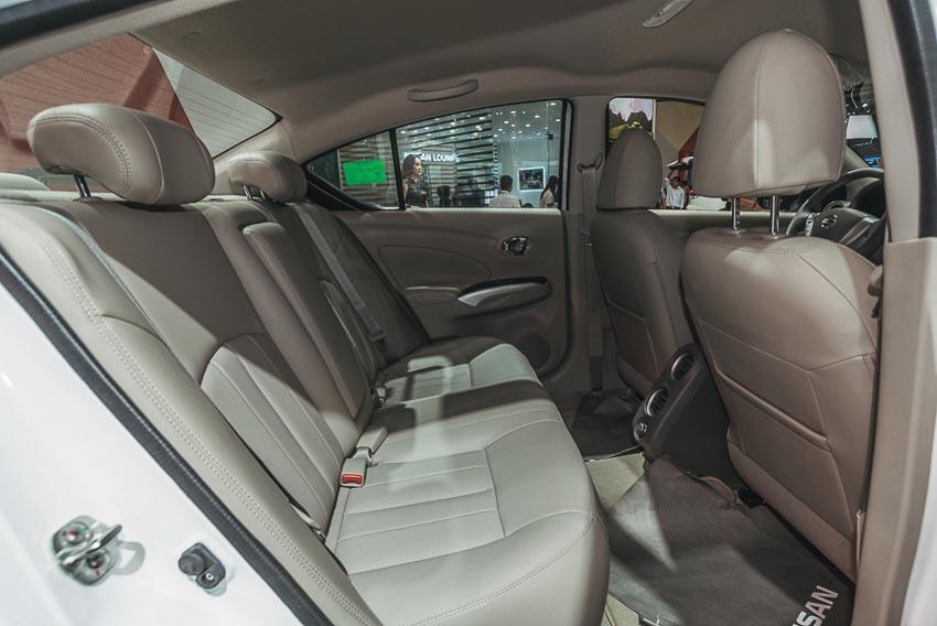 Hàng ghế sau xe Nissan Sunny Q-Series